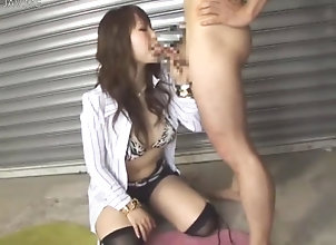 babe,sucking,asian,threesome on her knees and...