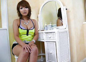 Asian,MILF,hot milf,MILF,natural tits,fingering,vibrator Akiho Nishimura...