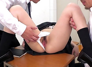Amateur,Asian,Japanese,Uniform,Hairy,Teens,Panties,Fingering,Masturbation 楽しみのために...